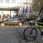 Ispred Ekonomskog fakulteta / foto: Ivan Božić|srednja.hr
