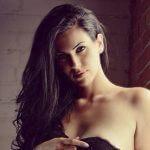 Tania Marie Caringi (28), model