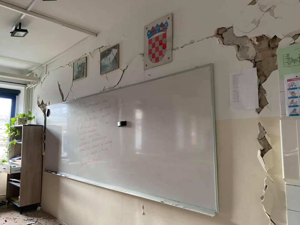 OŠ A. Augustinčića Zaprešić pretrpjela je veliku štetu u potresu