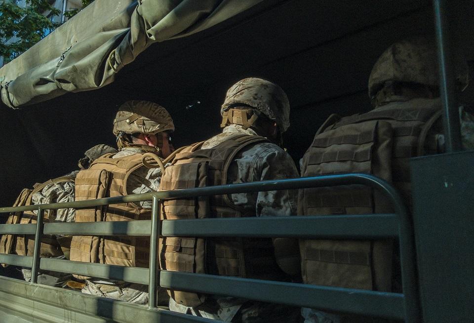 vojnici u kamionu