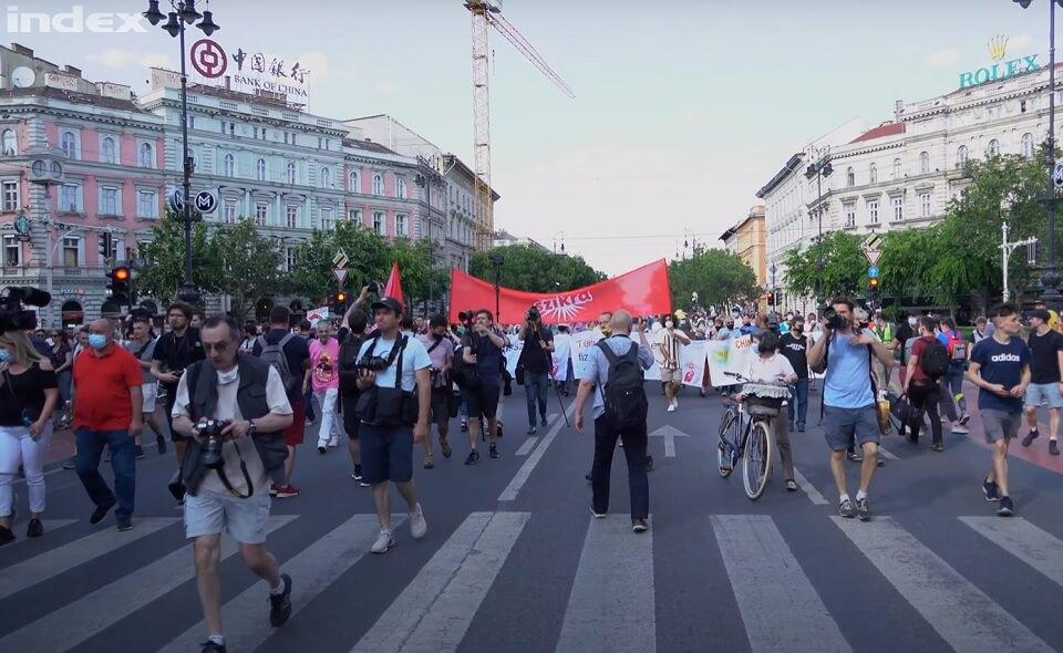 slike s prosvjeda na ulicama Budimpešte